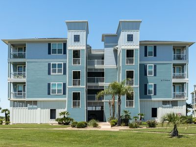 Photo for Bayfront condo w/ scenic views, shared hot tub, pool, near beach - dogs ok!