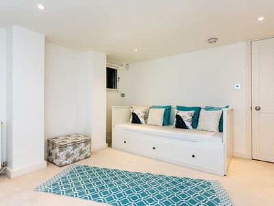 Photo for Charming studio in Family Friendly Clapham, sleeps 2 (Veeve)