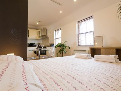 Photo for Cosy studio flat - 7 min walk from East Croydon Station