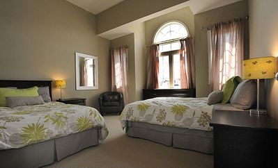 Guestroom with 2 double beds