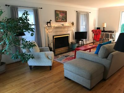 Cozy 3-Bedroom with Wood Fireplace near Waterfront