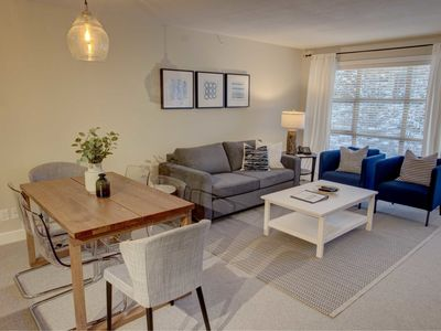 Prime Ski-in Ski-out Location! Top Floor Unit, Pool, Hot tubs, BBQ (548)