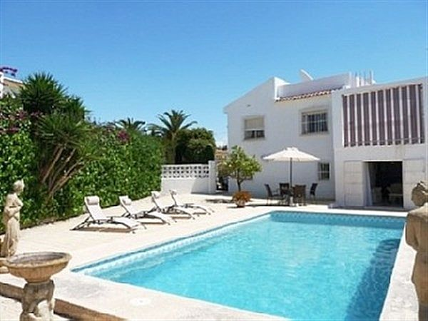Villa With Private Pool And Secluded Gardens
