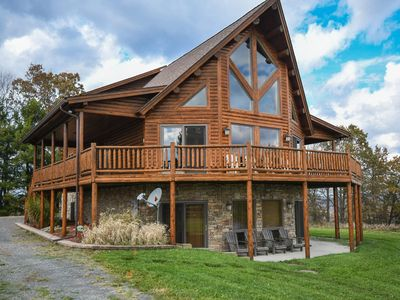 Photo for Amazing lake views, Close to Lake Access!