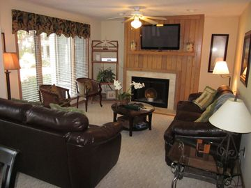 **Beautiful 3 Bedroom Parkside - FULL RESORT AMENITIES!**