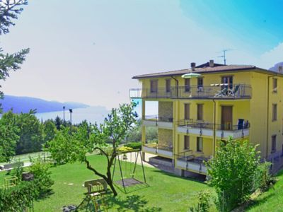 Photo for Apartment with pool - ideal for families, with a dog on Lake Garda
