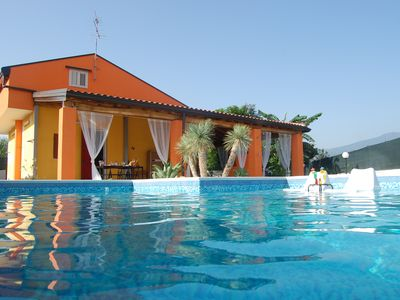 Photo for Villa with swimming pool 80 meters from the sea.