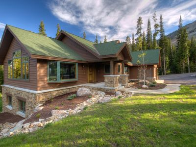 Photo for Challenger Cabin! Luxurious House, Premium Location, WOW!!