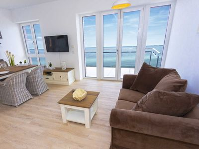 Photo for Sea-view-living-room-balcony-kitchen-2 bedrooms-2 bathrooms - comfort apartment starboard by sea-apartments