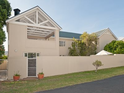 Photo for Huis Langbaai - a spacious family friendly 5 bedroom villa in Hermanus, Cape Town