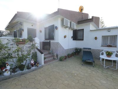 Photo for 2 bedroom Villa, sleeps 4 in Riumar with Air Con and WiFi