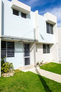 Photo for Private pool, Oceanview, Centrally located!