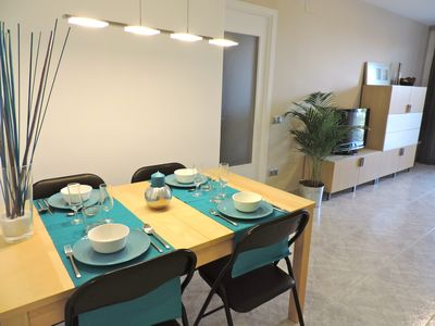 Photo for Great 3 bedroom apartment with pool, near the sea in La Pineda!
