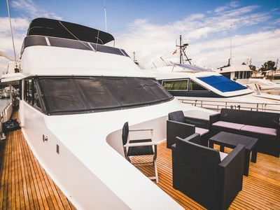 Photo for Gorgeous Yacht Boatel Twin Cabin Close To Beach