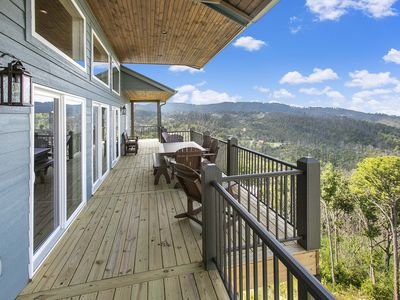 Photo for Chalet With Media room , Elevator and SPECTACULAR 180 Degree Views!