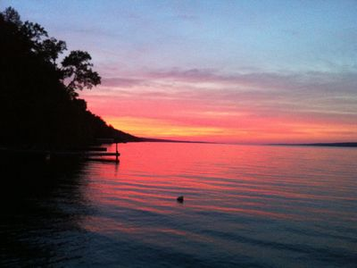 PRIVATE LAKESHORE CLASSIC COTTAGE Near Ithaca, NY  **Heart of the Finger Lakes**