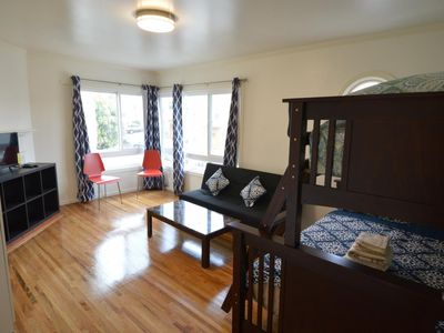 Photo for (3E) Large Double-Twin Room near SFSU, Bus, Shops and Restaurants - One Bedroom Bed and Breakfast, Sleeps 4