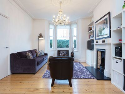 Light and airy 3 bed family home, located close of leafy Clapham Common (Veeve)