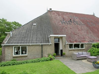 Photo for Farmhouse nearby the Friesian IJsselmeer.