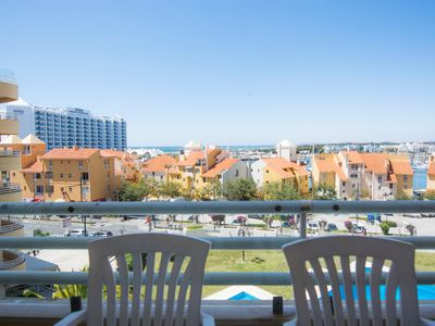 Photo for Outdoor / Indoor Pool, Air Conditioning, Sea View, Downtown, Marina, Wifi