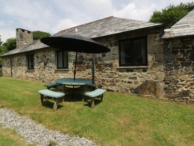 Photo for BYRE, pet friendly, with hot tub in Lostwithiel, Ref 960171