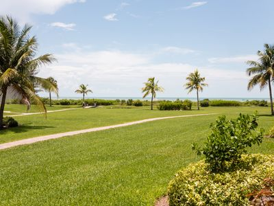 Nicely Decorated, Ground Level, Walk right out to the beach!- Loggerhead Cay 181