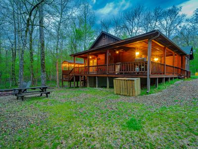 Photo for ✪ Blue Ridge Cabin ✪ Hot Tub, Fire Place, Patio, Sleeps 6