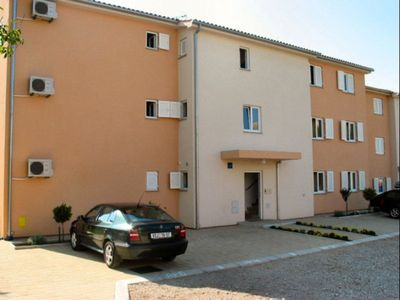 Photo for Ground floor apartment with air conditioning, WIFI and grill