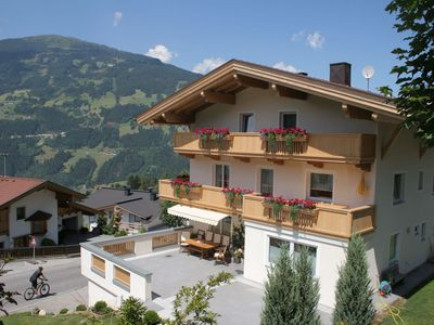 Photo for Holiday home near the Zillertal Arena, ski-bus stops in front of the house.