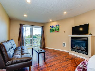Dog-friendly studio w/ a private balcony & seven miles of beach just steps away!