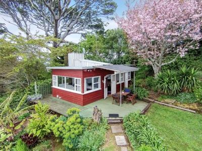 Photo for Mount Hobson Cottage in Remuera