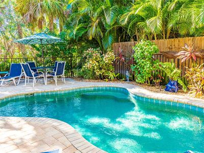 2-3 Minute Walk to the Beach - Private Heated Pool - Dog Friendly