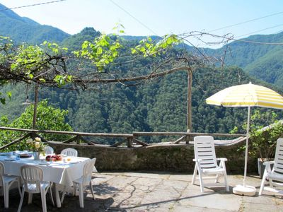 Photo for 6BR Villa Vacation Rental in Stazzema