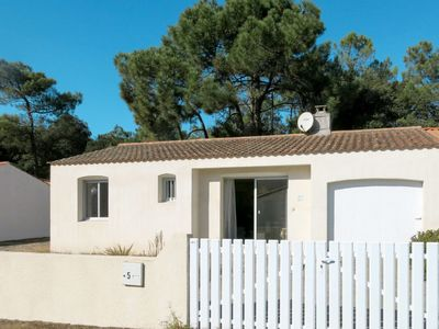 Photo for Vacation home Les Algues (TSM213) in La Tranche sur Mer - 4 persons, 2 bedrooms