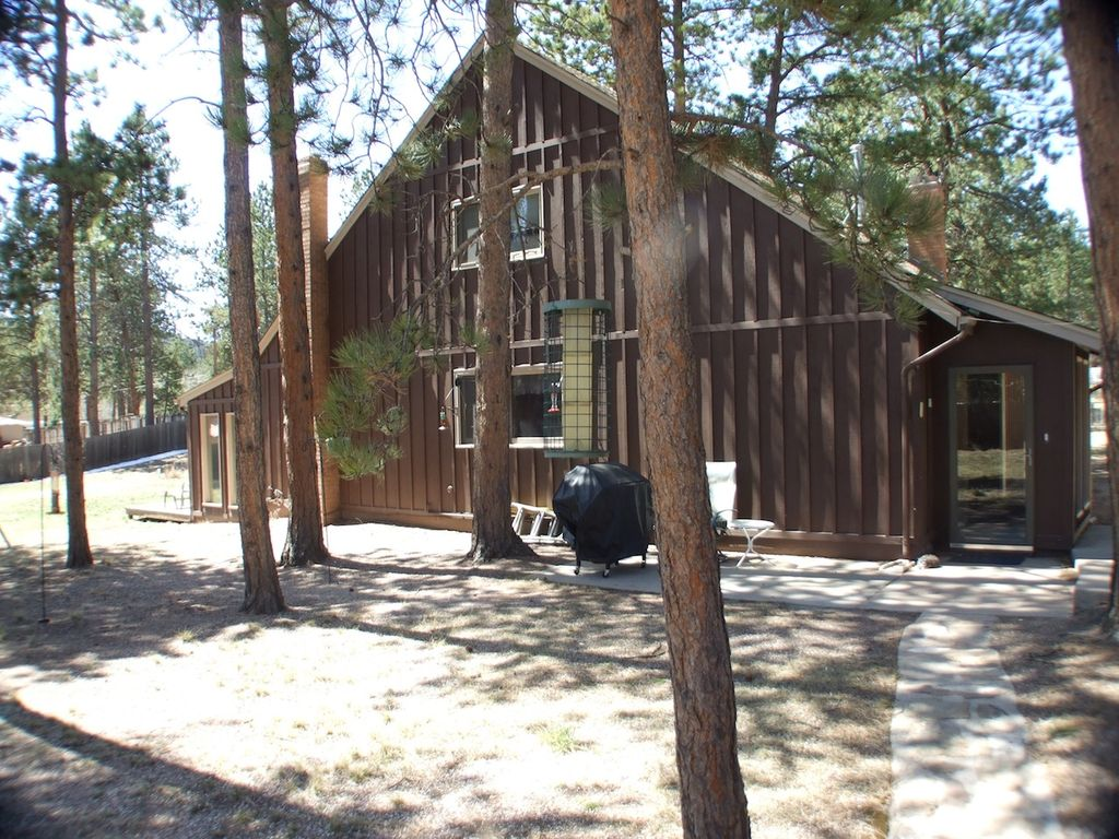 Merveilleux Woodland Park Cabin Rental   Off A Main Road Nestled Back In A Spacious  Wooded Lot