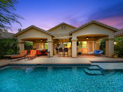 Photo for Enchanting oasis on the golf course with sunset views!