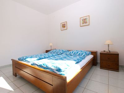 Photo for Apartment in Pjescana Uvala 13290