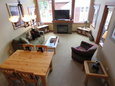 Photo for Multi level 2 bedroom condo with ground floor entrance, easy access to ski trails