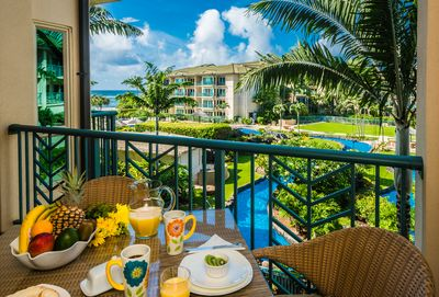 Breakfast on the lanai with a view
