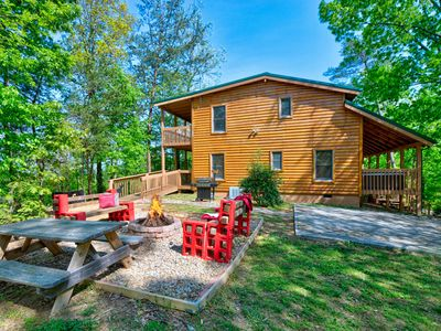 Photo for LUXURY LODGE , PRIVATE, SPACIOUS,4 BR/4 BATH, FREE WIFI, SLEEPS 14, *FIRE PIT**