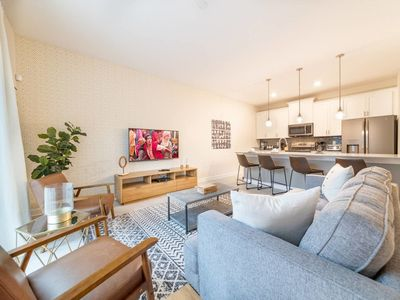 Photo for Beautiful 4 beds town home for 10 people