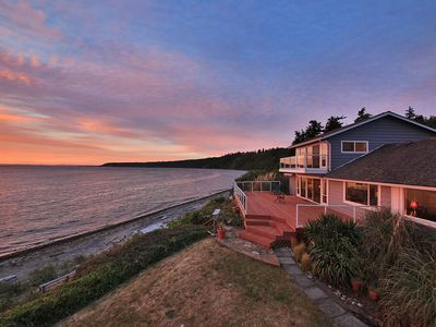 Photo for Westside Waterfront Paradise w/ private beach. 3 bed, 2 bath. (245)