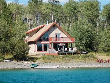 Spectacular Family Lake-Front Vacation Home on Green Lake