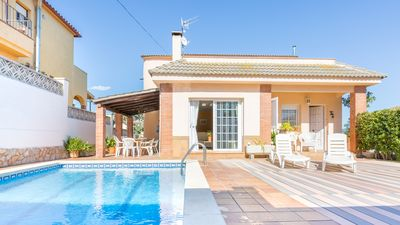 Photo for 3 bedroom Villa, sleeps 8 with Pool, WiFi and Walk to Shops