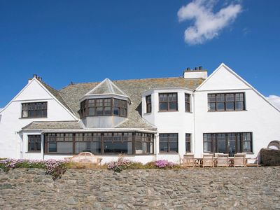 Photo for OONAVARA, pet friendly, with open fire in Rhosneigr, Ref 1008943