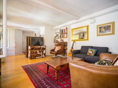 Photo for Beautiful 2 Bedrooms#Champs Elysées at the corner