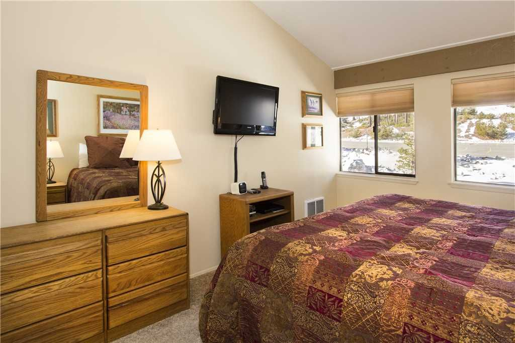Enjoy the Large Kitchen & Comforts of Home After Hitting the Slopes!