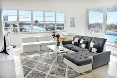 Cozy and stylish living room, a perfect place to relax after an eventful day!