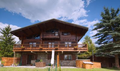 Photo for Luxury traditional 5 bedroom chalet with sauna & hot tub sleeps up to 10