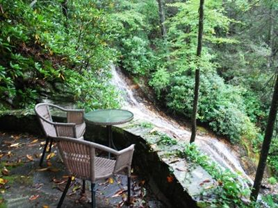 Your own private sitting area and Waterfall - Truly wonderfall